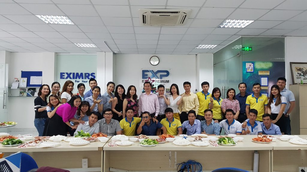 cong-ty-exim-premium-to-chuc-giang-sinh-2018-anh-1